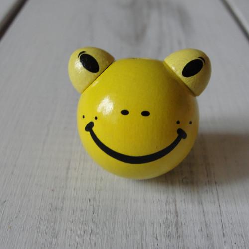 лягушка желтая