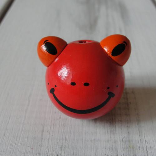 лягушка красная